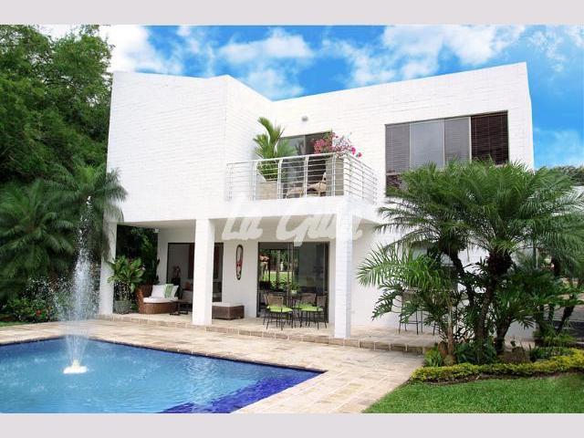 Im genes de arriendo casa campestre en cali en cali for Casas para la venta en ciudad jardin cali colombia