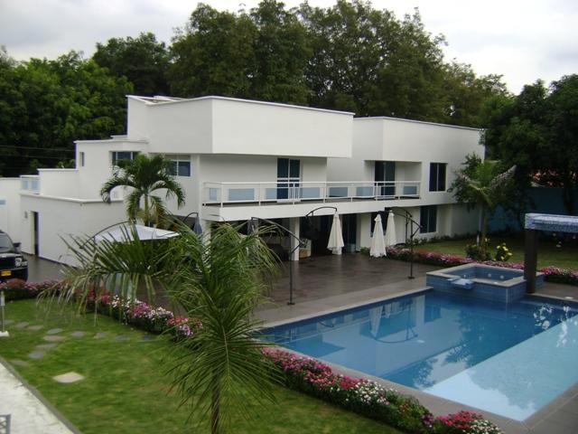 Vendo hermosa casa independiente ciudad jardin en cali for Bares ciudad jardin cali