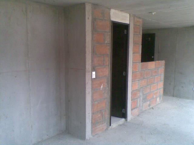 Im genes de vendo apartaestudio en ayacucho centro for Caseton puerta corredera precios